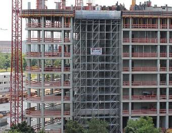 Schwerlast-Modulgerüst Gebäude Alpha 1 Rotex, Gateway Gardens in Frankfurt