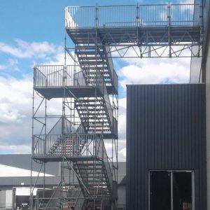 Fluchttreppenturm mit Brücke Rittal in Haiger