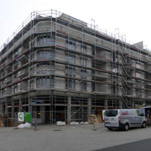 Fassadengerüst W06 mit zahlreichen Treppentürmen Gravensteiner Platz in Frankfurt